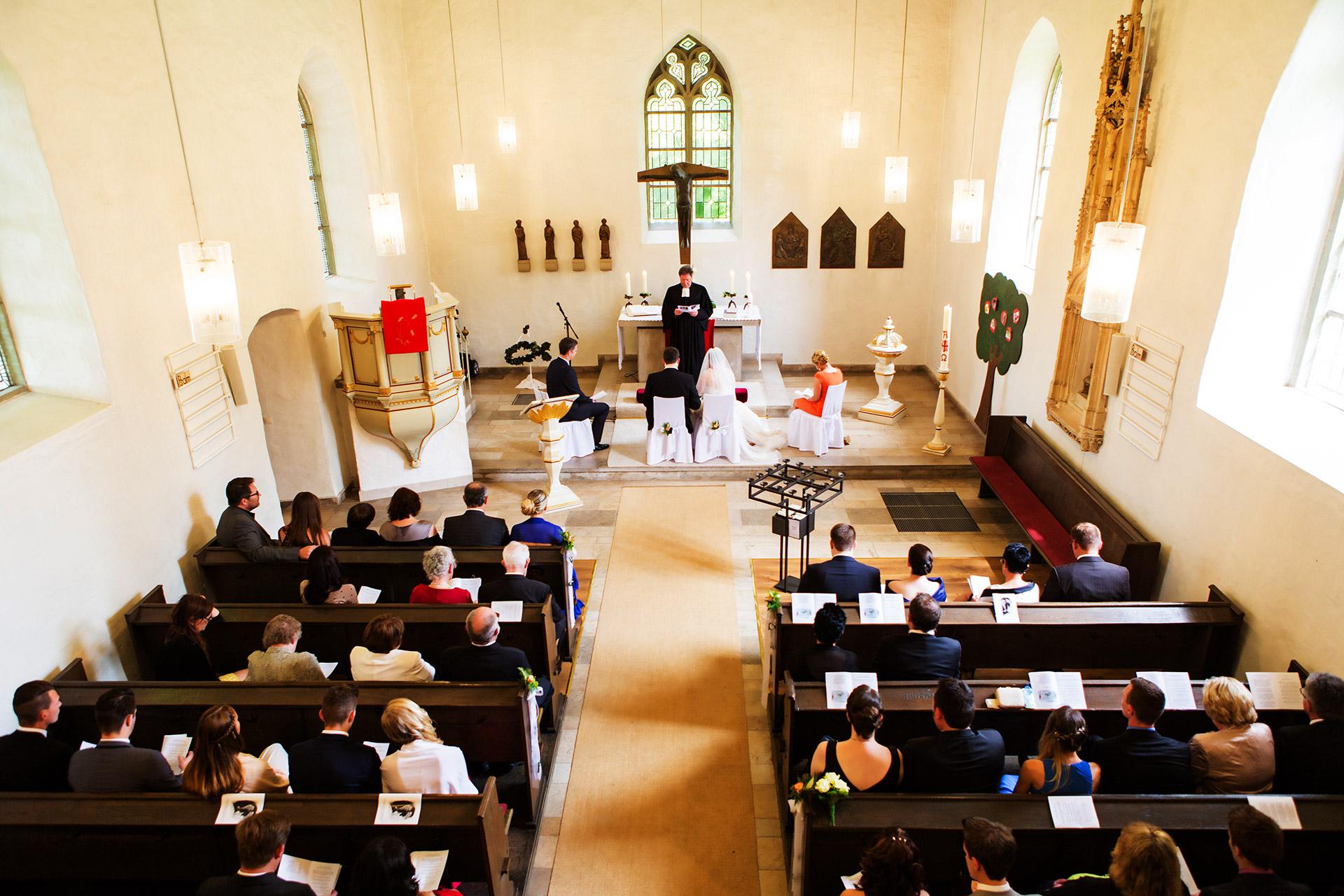 Hochzeitsfotograf-Hamm-Kirche-Berge